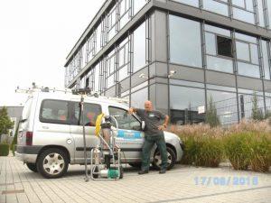 Glasfassadenreinigung mit entmineralisiertem Wasser